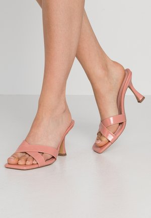HOURGLASS HEEL MULES - Heeled mules - rose tan