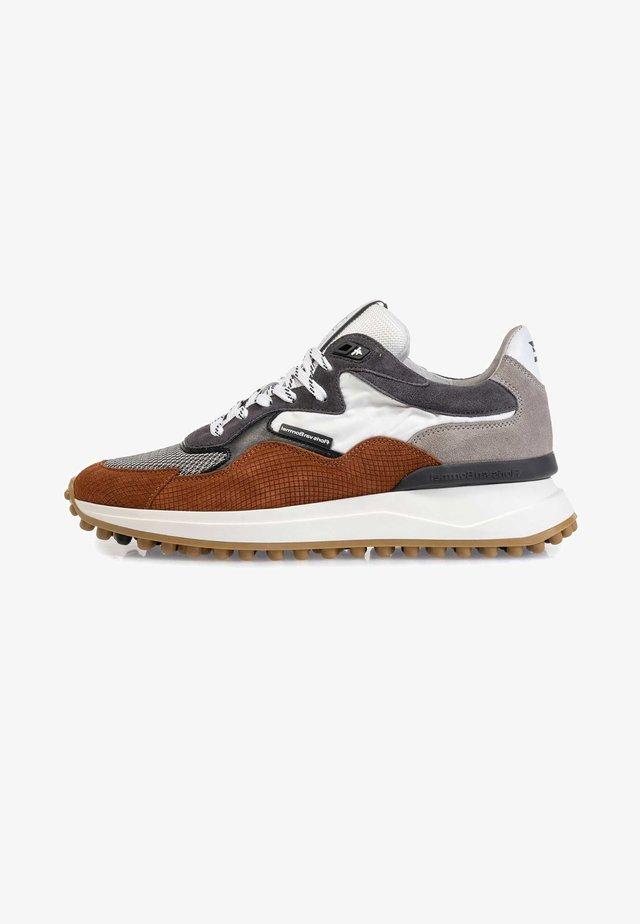 NOPPI  - Sneakers laag - cognac/grey