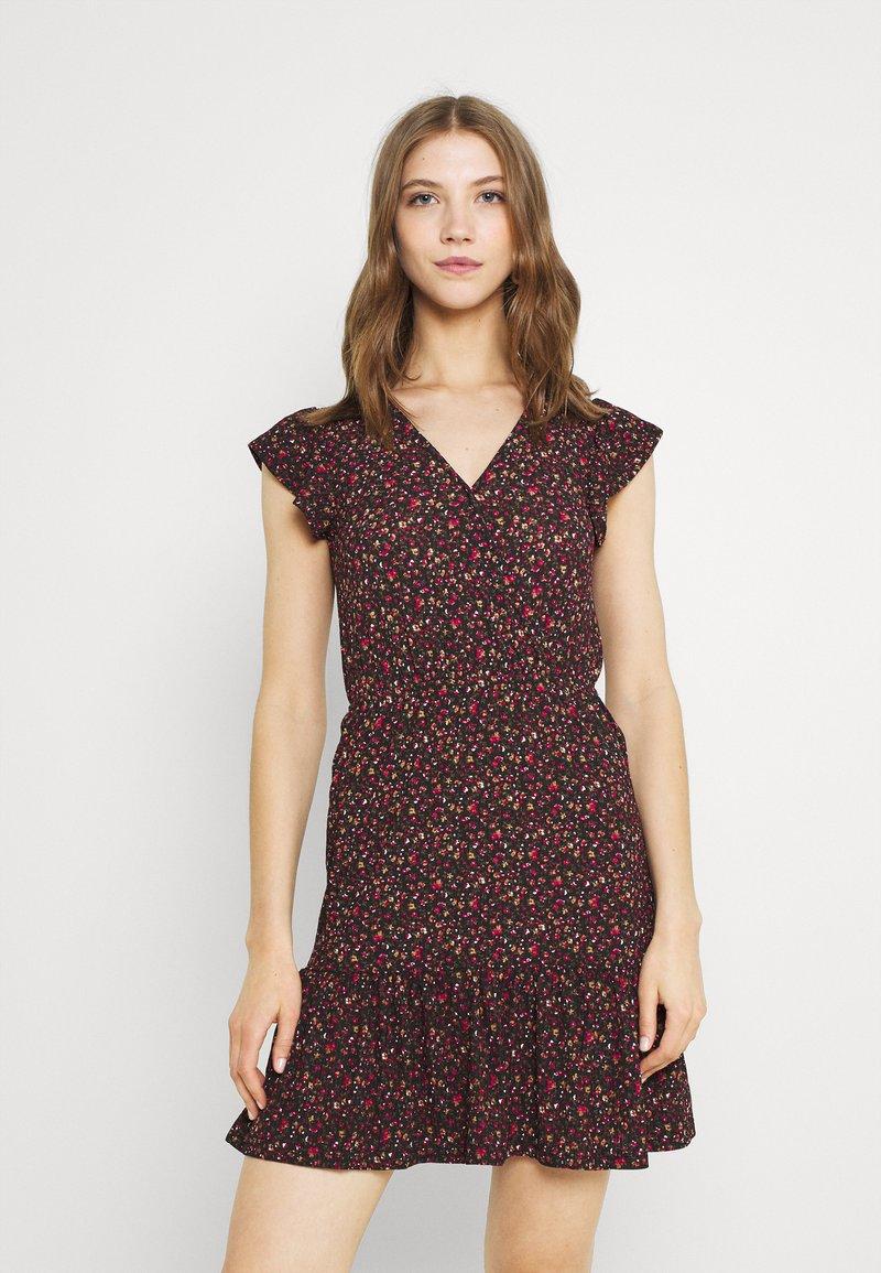 JDY - JDYGITTE SVAN CAPSLEEVE DRESS - Vestito estivo - black/pink