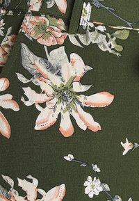 ONLY - ONLNOVA PALAZZO PANT - Trousers - ponderosa pine/green - 2