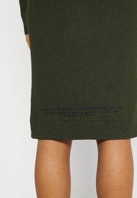 G-Star - MOCK SLIM DRESS - Gebreide jurk - dark bronze green - 5