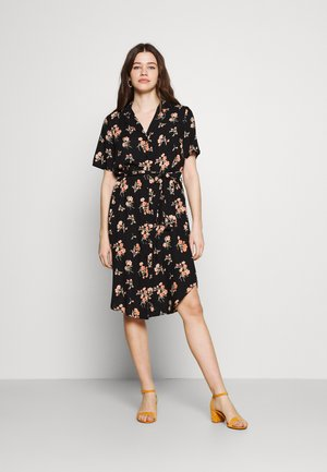PCTRINA SHIRT MIDI DRESS - Košilové šaty - black