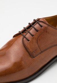 Melvin & Hamilton - ALEX - Smart lace-ups - wood - 5