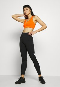 Nike Performance - SWOOSH-RUNNING TIGHT  - Tights - black/reflective silver - 1