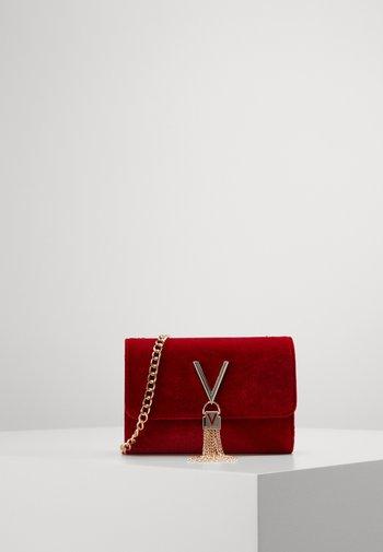 MARILYN CROSS BODY - Across body bag - rosso