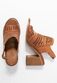 Carmela - High heeled sandals - camel - 3