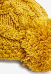 Next - CABLE  SET - Gorro - yellow - 4