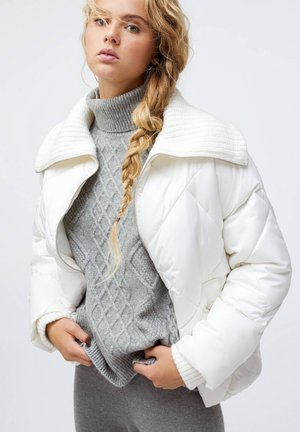 WITH KNIT COLLAR  - Winter jacket - white