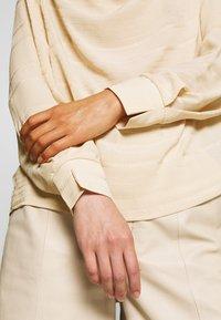 InWear - PABLAHIW BLOUSE - Bluser - powder beige - 5