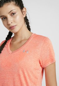 Under Armour - TECH TWIST - Basic T-shirt - peach plasma/metallic silver - 3