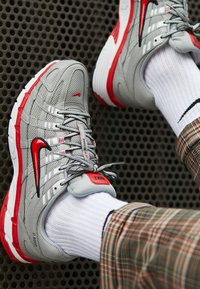 Nike Sportswear - P-6000 - Trainers - football grey/university red/black/white - 7