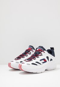 Tommy Jeans - HERITAGE RETRO - Trainers - white/dark blue - 2