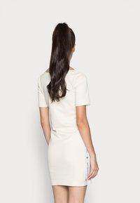 Calvin Klein Jeans - SQUARE NECK DRESS - Jersey dress - muslin - 2