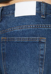 Glamorous Petite - LADIES - Relaxed fit jeans - dark blue wash - 4