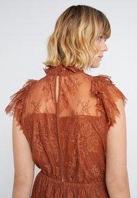 DESIGNERS REMIX - MELISSA DRESS - Cocktail dress / Party dress - mahogany - 3