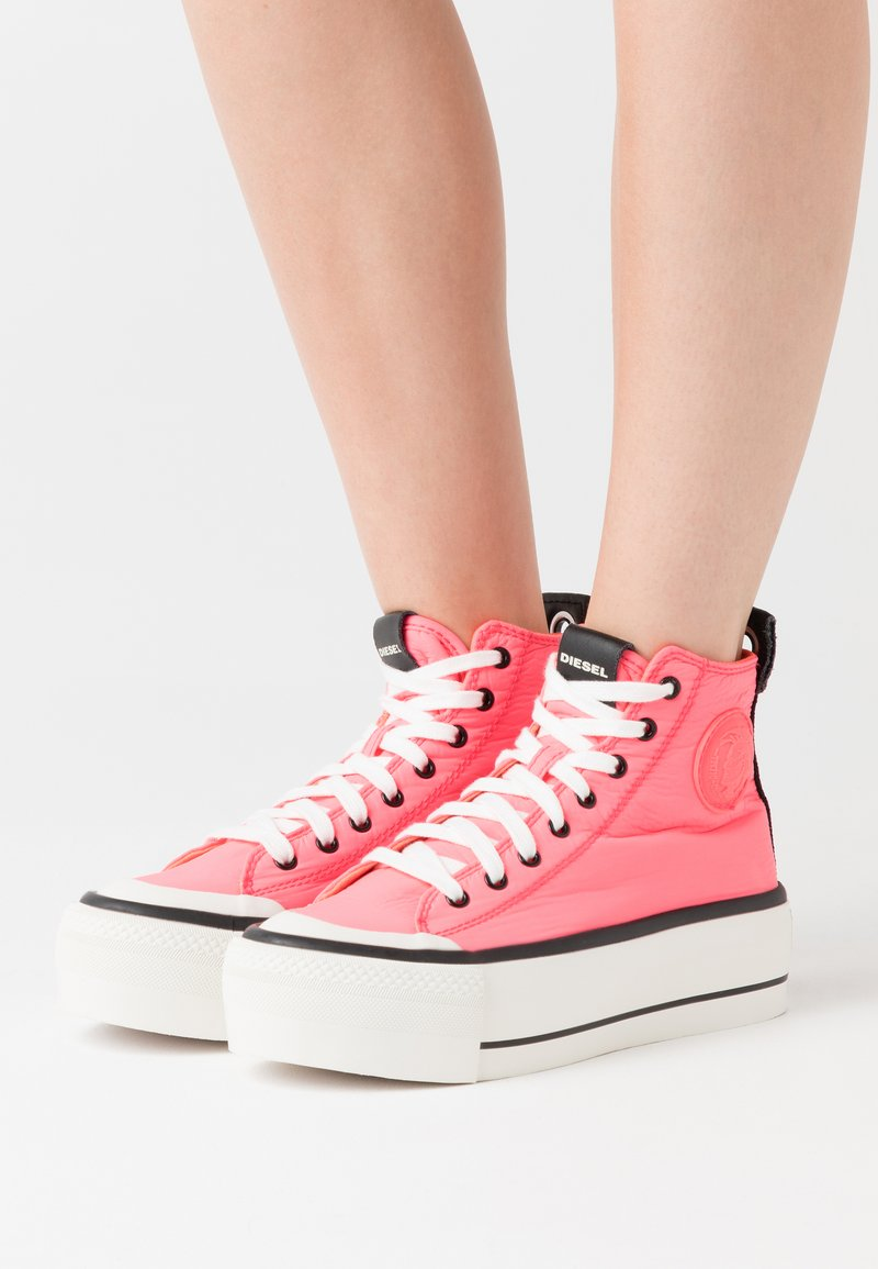 Diesel - ASTICO S-ASTICO MC WEDGE SNEAKERS - High-top trainers - pink