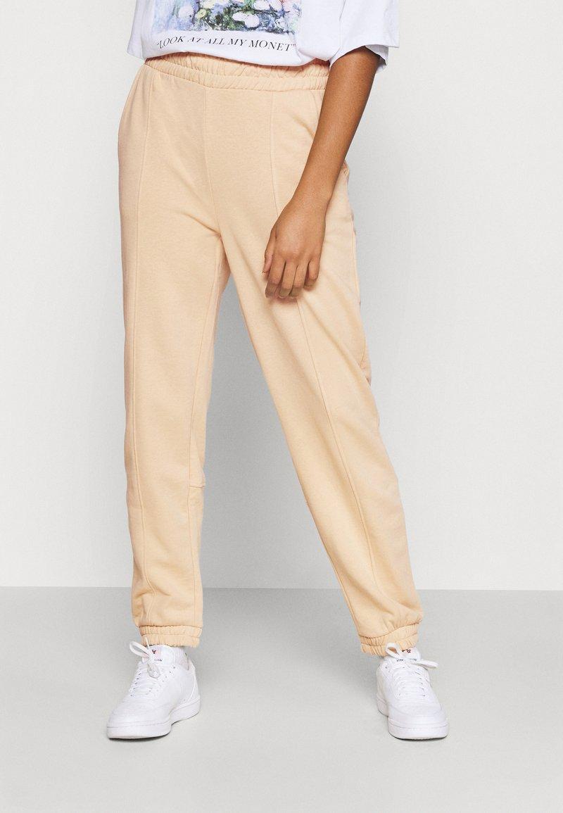 ONLY - ONLDEA DETAIL PANTS  - Tracksuit bottoms - warm sand