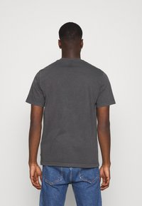 Levi's® - TEE UNISEX - T-shirt con stampa - blacks - 2