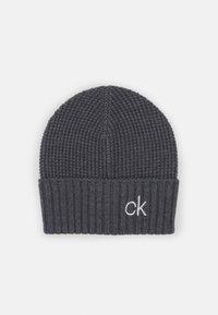 Calvin Klein - KNITTED BEANIE SCARF SET - Šála - grey - 1