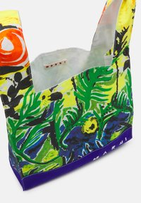 Marni - BORSA - Tote bag - emerald green - 2
