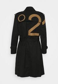 N°21 - CAPPOTTO - Trenchcoat - nero - 1