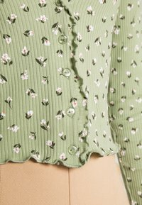 Monki - SANCY - Strikjakke /Cardigans - light green - 5