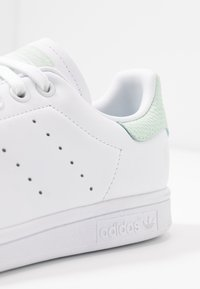 adidas Originals - STAN SMITH - Sneakers - footwear white/dash green/core black - 2