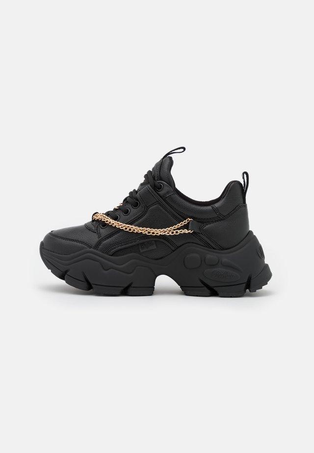 VEGAN BINARY CHAIN - Sneakersy niskie - black/gold