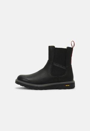 OAK - Classic ankle boots - black