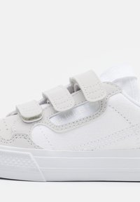 adidas Originals - CONTINENTAL 80 SPORTS INSPIRED SHOES - Matalavartiset tennarit - footwear white/grey one - 5