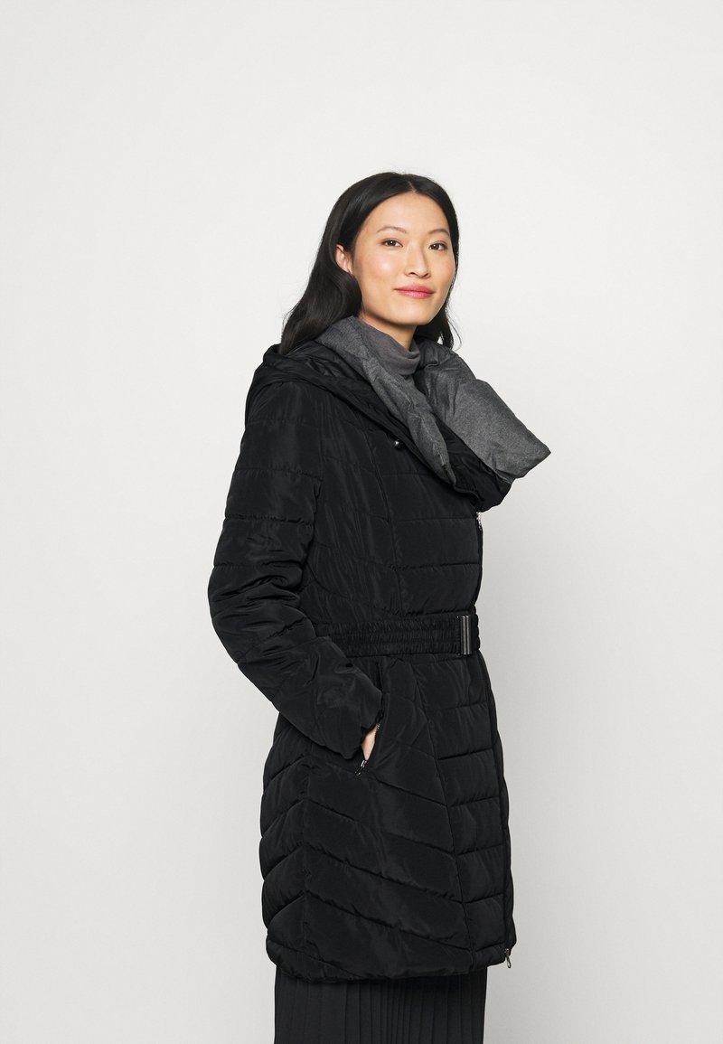 More & More - Winterjas - black