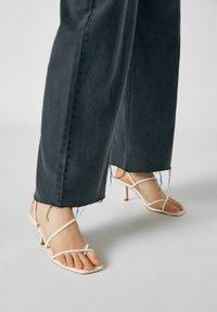PULL&BEAR - Flared Jeans - dark grey - 5