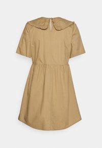 ONLY Petite - ONLSALEM SHORT DRESS - Robe d'été - silver mink - 1