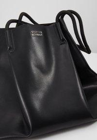 Steffen Schraut - KATE - Shopping bags - black - 7