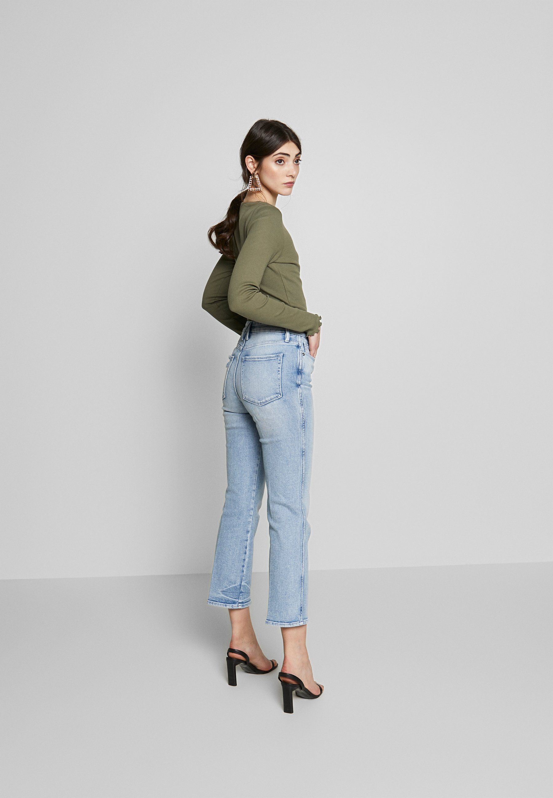 Good American Curve - Straight Leg Jeans Blue