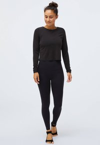 OYSHO - Long sleeved top - black - 0