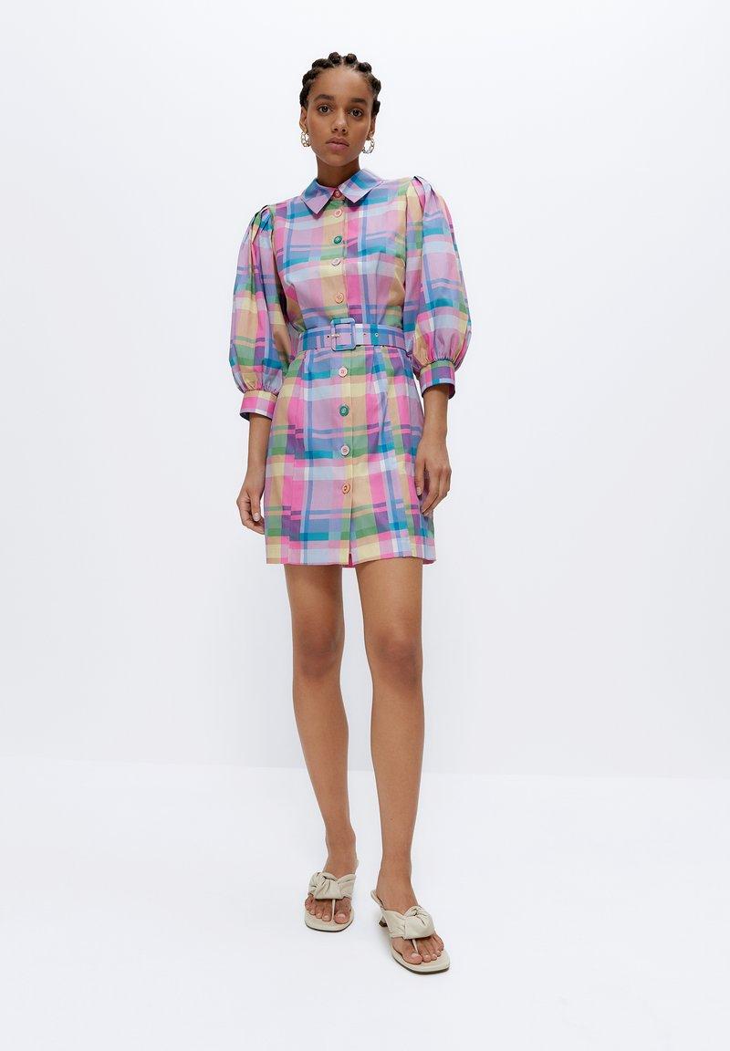 Uterqüe - Shirt dress - pink
