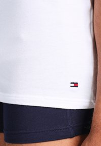 Tommy Hilfiger - PREMIUM ESSENTIAL 3 PACK - Undershirt - white - 4