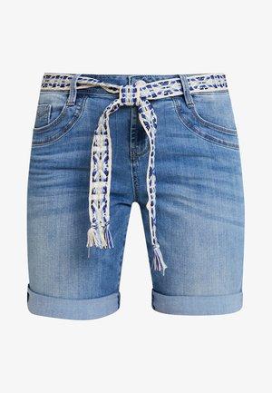 TAPERED BERMUDA - Jeansshorts - light stone blue denim