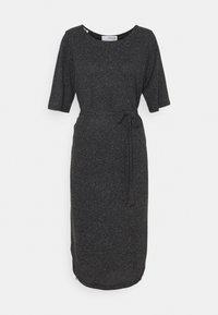 Selected Femme Petite - SLFIVY BEACH DRESS SOLID - Žerzejové šaty - black - 0