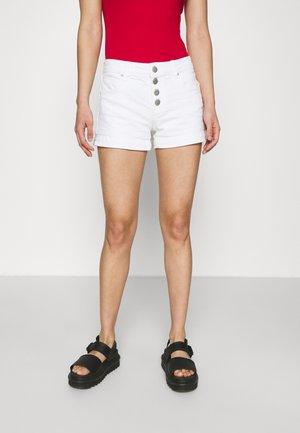 MID RISE CLASSIC - Szorty jeansowe - new white