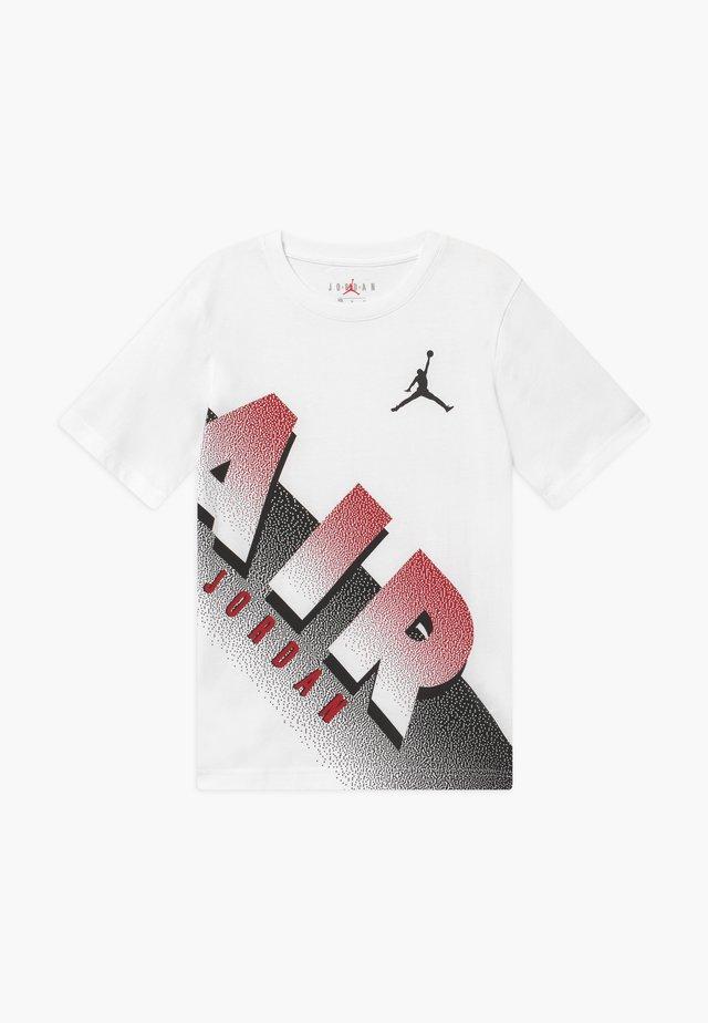 AIR MEZZO TEE - T-shirt con stampa - white