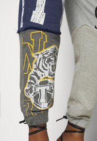 Jaded London - VARSITY PATCHWORK JOGGERS - Tracksuit bottoms - multi - 5