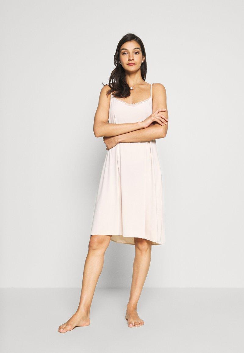 Marks & Spencer London - COOL SLIP - Noční košile - almond