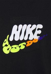 Nike Sportswear - TEE SPORT POWER - Print T-shirt - black - 2