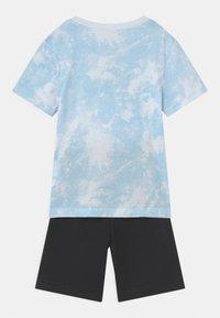 Nike Sportswear - MAGIC CLUB SET  - T-shirt print - black - 1