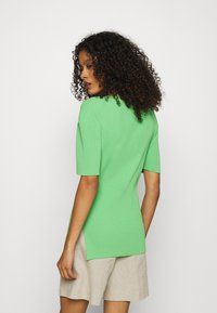 ARKET - Basic T-shirt - green - 2