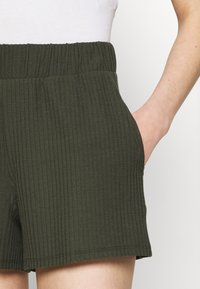 ONLY - ONLNELLA POCKET - Shorts - kalamata - 4