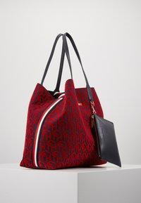 Tommy Hilfiger - ICONIC TOTE SET - Torba na zakupy - red - 3