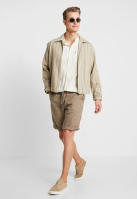 Benetton - Shorts - brown - 1